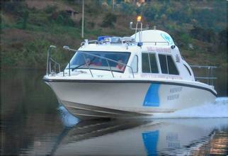 520全棚快艇