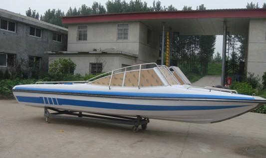 620型平甲板快艇